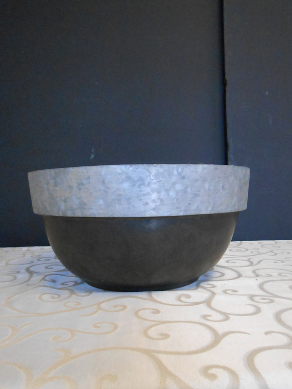 Black ceramic and zinc bowl