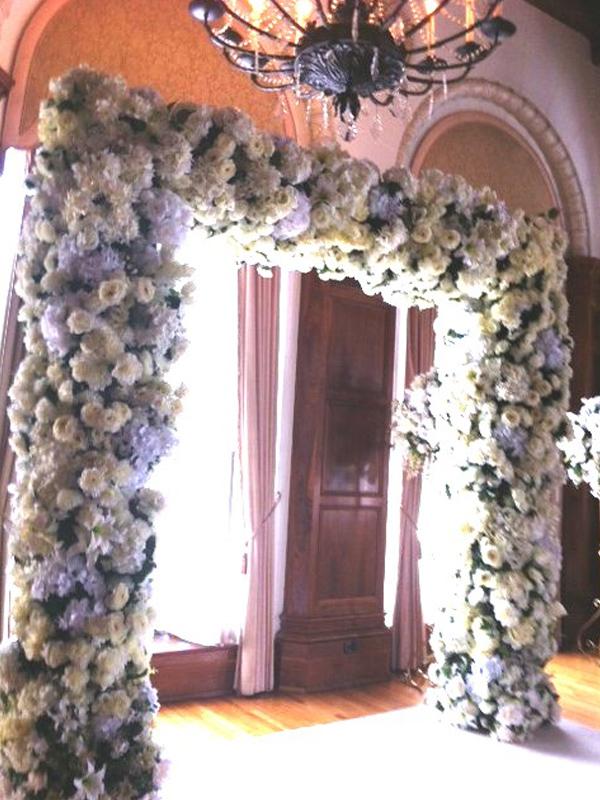White lush square arch