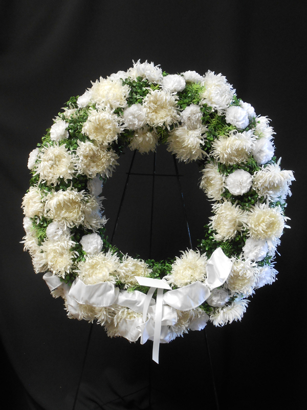 White mum wreath