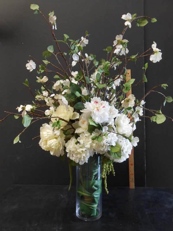 Dogwood and white hydrangea floral