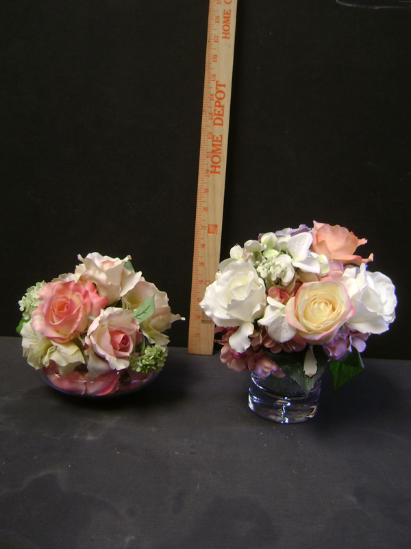 Peach cocktail or small table floral