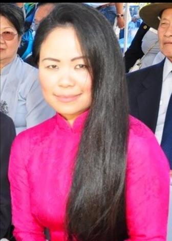 Diễn ngâm: Cô giáo Lê Diễm Chi Huệ, (Dallas Texas)