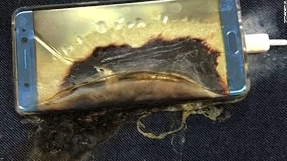 Samsung burnt Smart phone. Nguồn internet