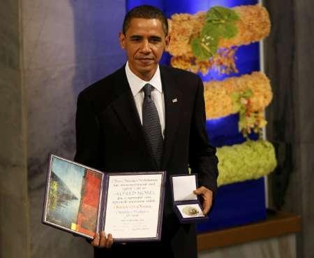 Tổng thống Obama nhận giải Nobel. Nguồn internet