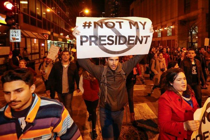 Biểu tình phản đối chính sách của Donald Trump. Nguồn internet.