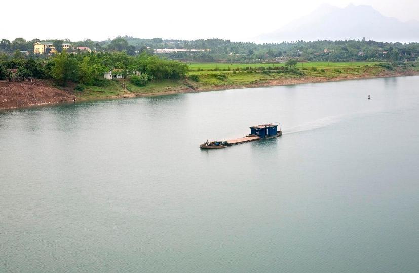 Sông Hồng.