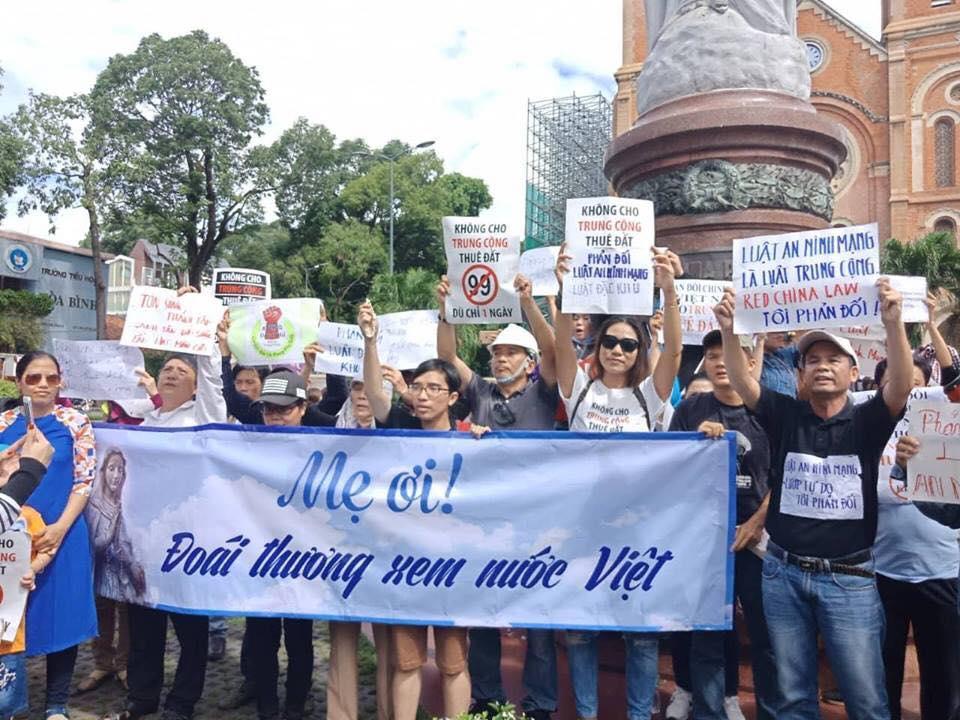 Biểu tình tại Saigon. Ngày 10 tháng 6, 2018. Nguồn internet