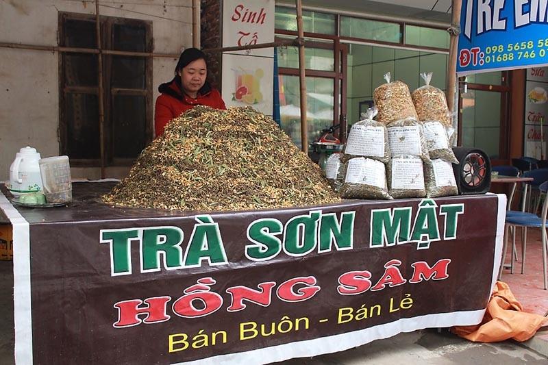 Quầy bán Hồng Sâm mọc khắp tỉnh biên giới này.