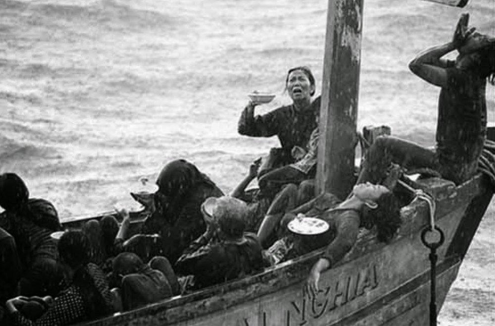 Chạy trốn chế độ CSVN. Người Việt Nam vượt biển tìm tự do. Nguồn internet.