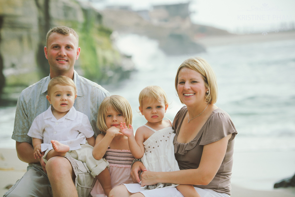 LA JOLLA COVE FAMILY PORTRAIT SESSION