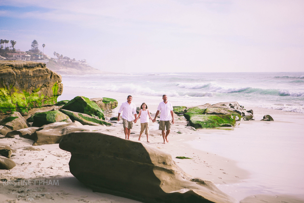 JAD - FAMILY PORTRAIT SESSION AT WINDANDSEA, LA JOLLA
