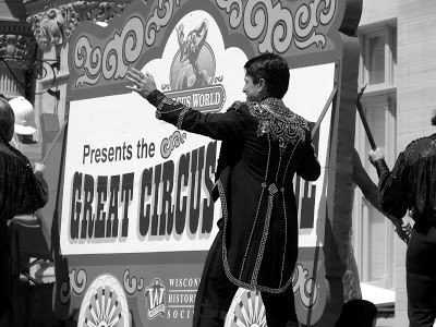 circus+parade.JPG