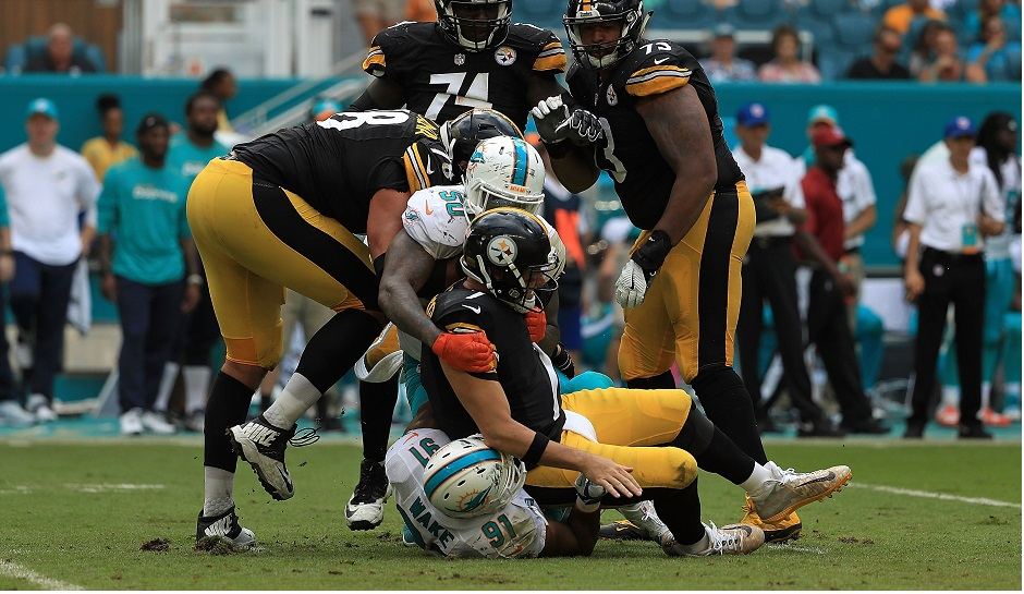 Ben Roethlisberger (QB-Pit) will require surgery to repair a torn meniscus in his left knee and could miss 4-6 weeks.