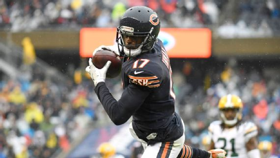 In his Bears debut  Dontrelle Inman  was the leading WR with 6 catches for 88 yards.