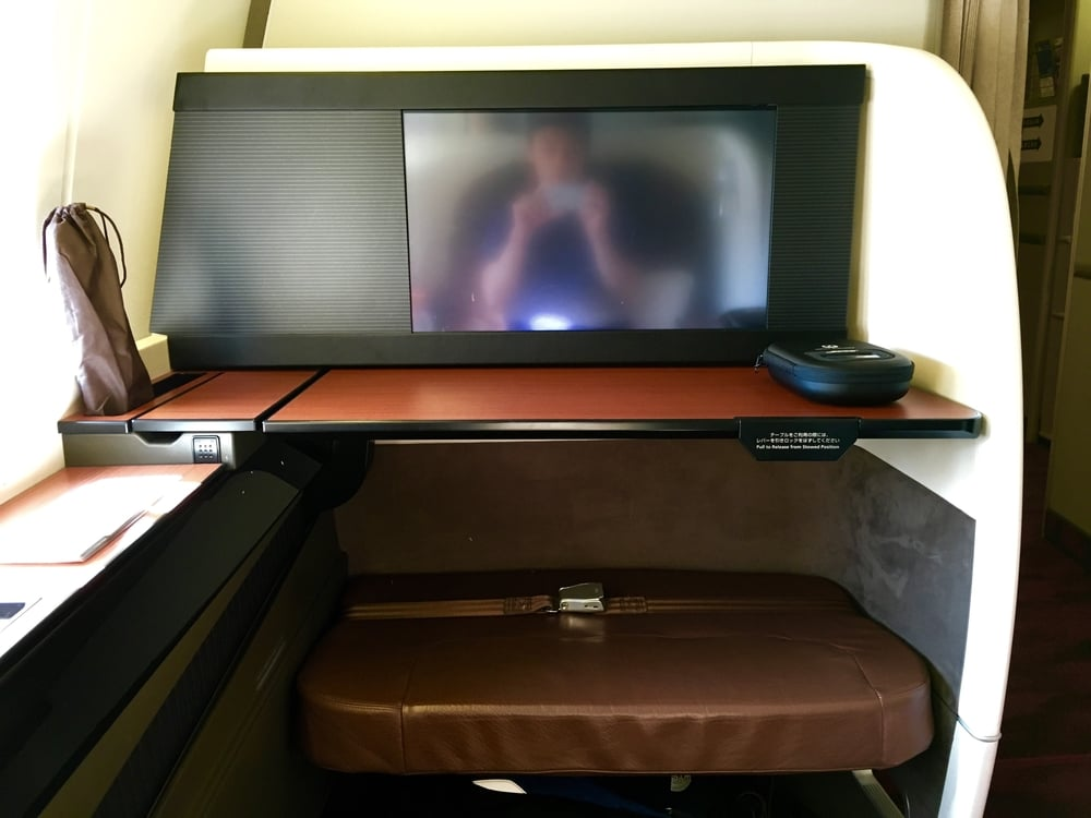 Good TV size and table was easy to maneuver.