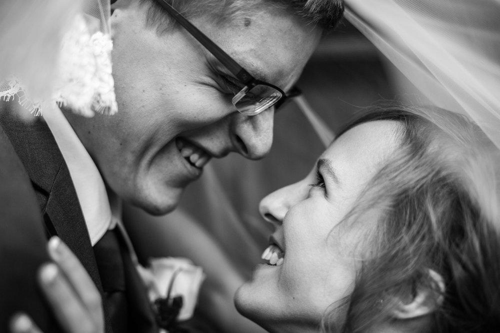 Bride & Groom41.jpg