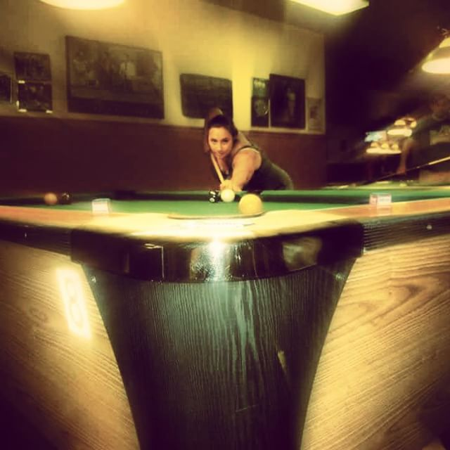 @lisamloverde29 doing what she does best #poolshark #statusq #statusqbilliards #sportsbar #bar #lounge #billiards #pool #brooklyn #newyork #ny #bk #8ball #9ball #10ball #apa #apaleague #poolleague #snooker #shanevanboening #efrenreyes #earlstrickland #beer #brooklyndive #brooklynbar #brooklyndive