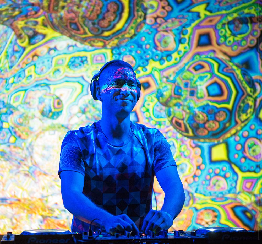 Tranceducer_Manifest_01.jpg
