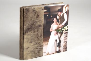 Fotobuch mit Ledercover.jpg