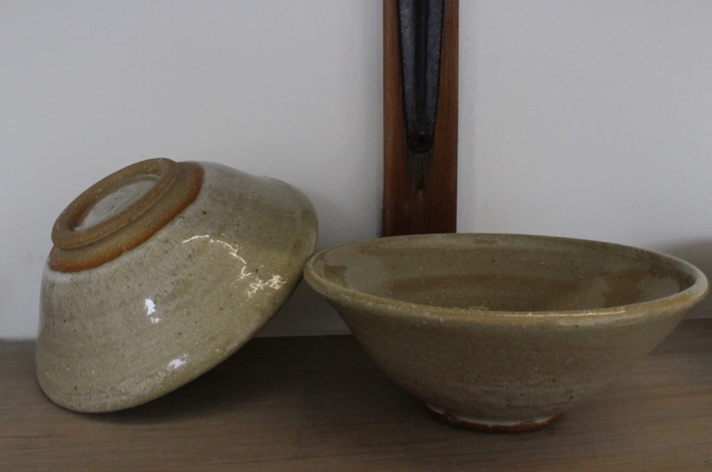 Two bowls.png