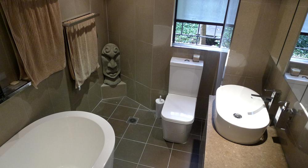 Intercity-Interiors-Full-Apartment-Renovation-Elizabeth-Bay_Bathroom_03.jpg