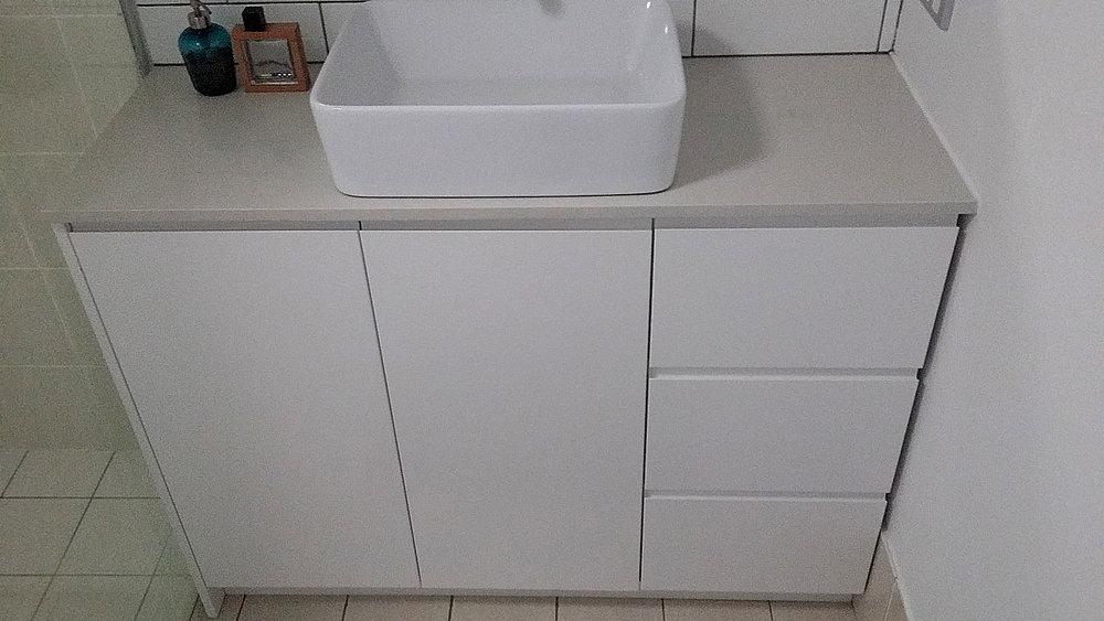 City-Kitchens_Alexandria_Bathroom-01.jpg