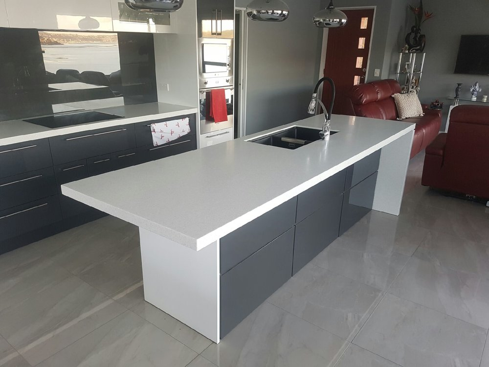 Kitchen Island Benchtop - Utilise your available space with a multi-purpose kitchen island.
