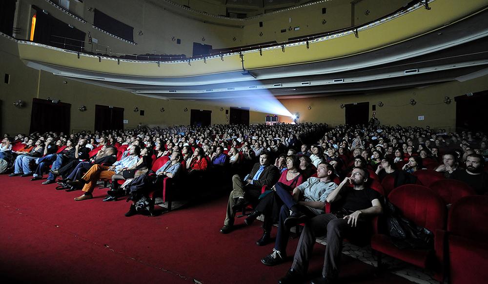 Artecinema teatro Augusteo platea.jpg