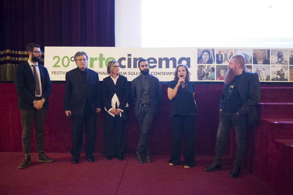 Presentazione del film  Francesco Arena- Posatoi  con (da sinistra) Vittorio Calabrese, Giorgio Spanu, Nancy Olnick, il regista Domenico Palma e l'artista Francesco Arena