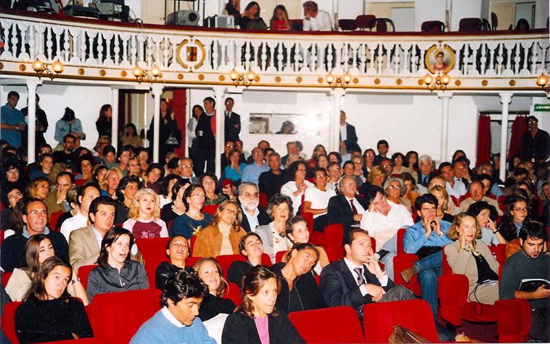 artecinema 2001_02.jpg