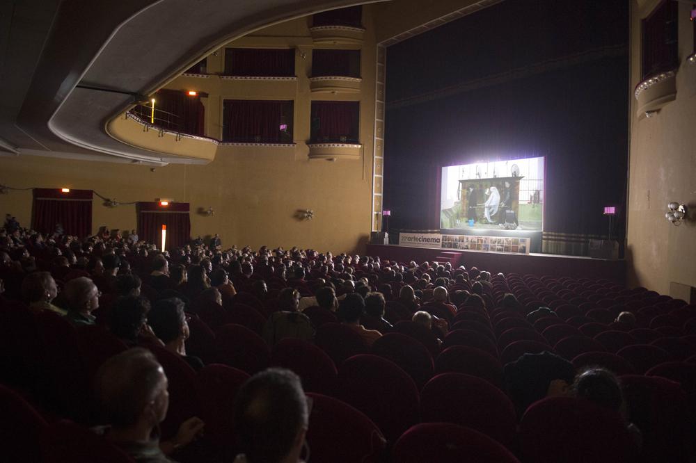 Žilda à Naples, film still