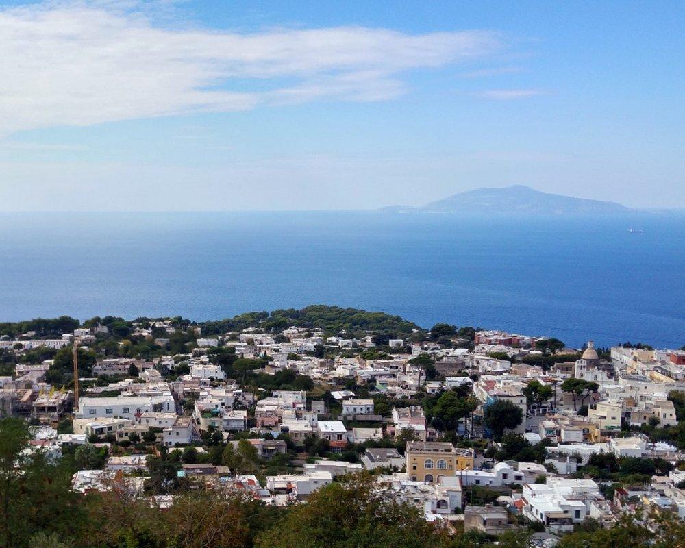 Monte-Solaro-Cable-Car-Anacapri-Island-Italy-044_Snapseed.jpg