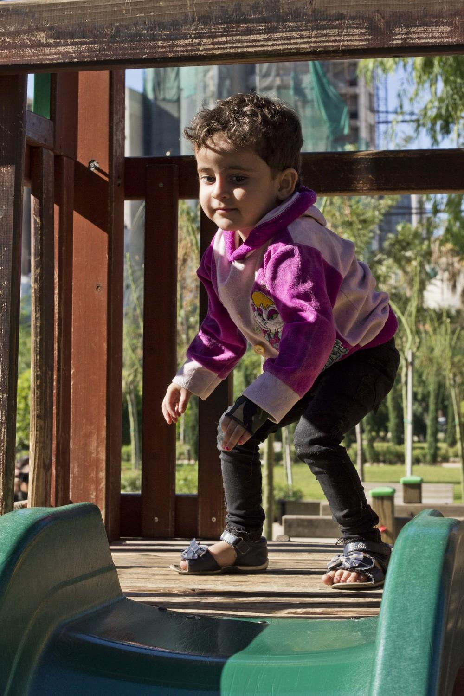 Sara Syrian refugee child medical INARA Arwa Damon