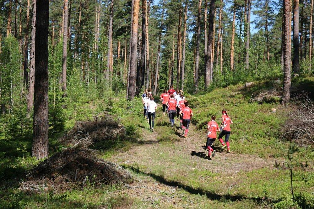 Massenstart allenamento staffetta con FIN, LAT e LIT