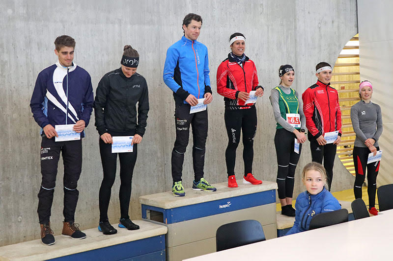 Premiazione sprint. Foto: OLG Pfäffikon