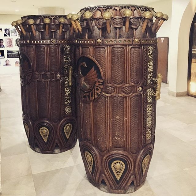 Royal Fontomfrom drums manufactured in 1992 by Ghanaian artist James Acheampong. 📸🇬🇭