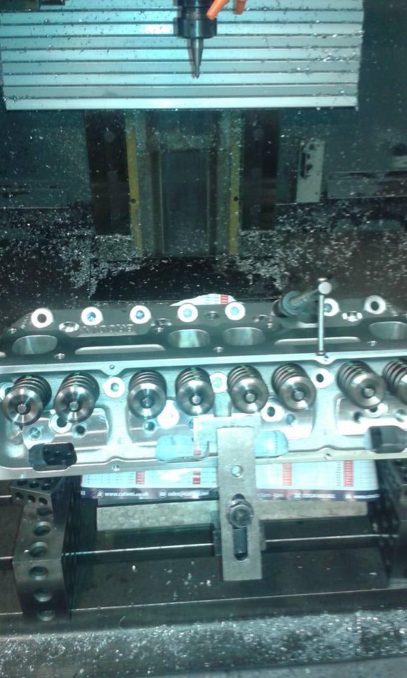 V8 engine 1.jpg