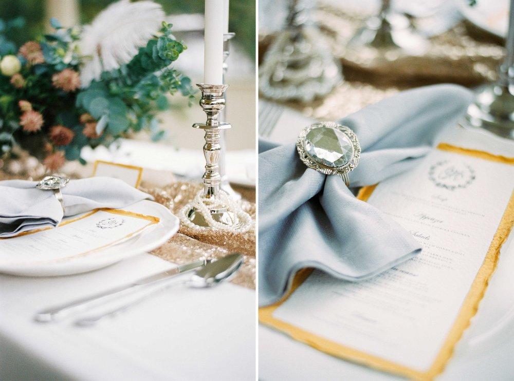 eskuvoi-asztal-dekoracio-ezust-arany-menulap-elegans-angol-pinterest.jpg