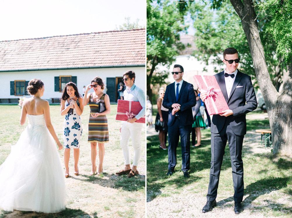 eskuvo-vendegek-ceremoniamester-tihany-menyasszony.jpg