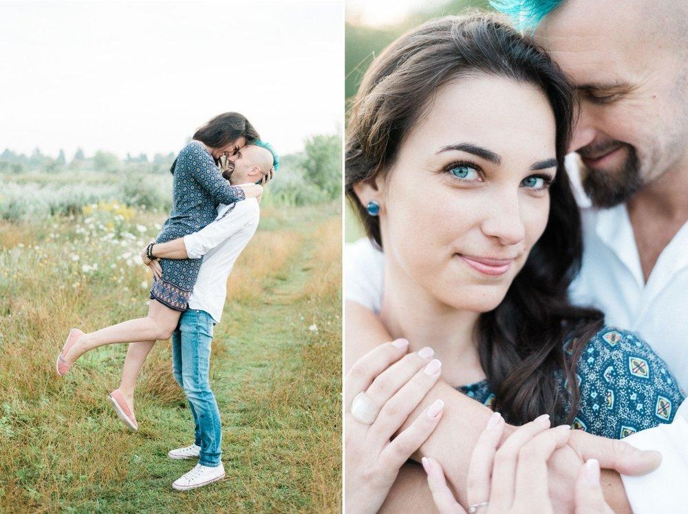 felszabadult onfeledt jegyesfotozas beloved weddings.jpg