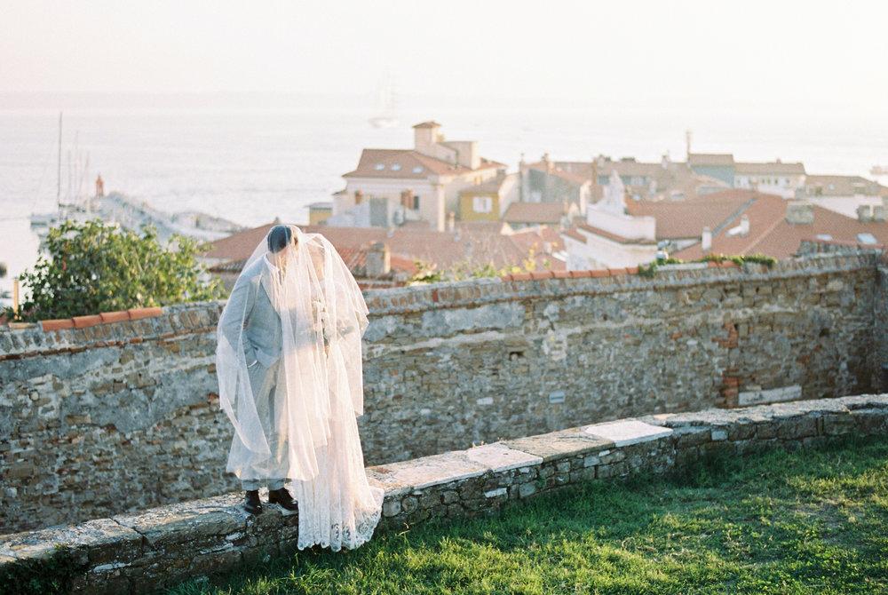 By the Sea styled shoot_Beloved weddings-121.jpg