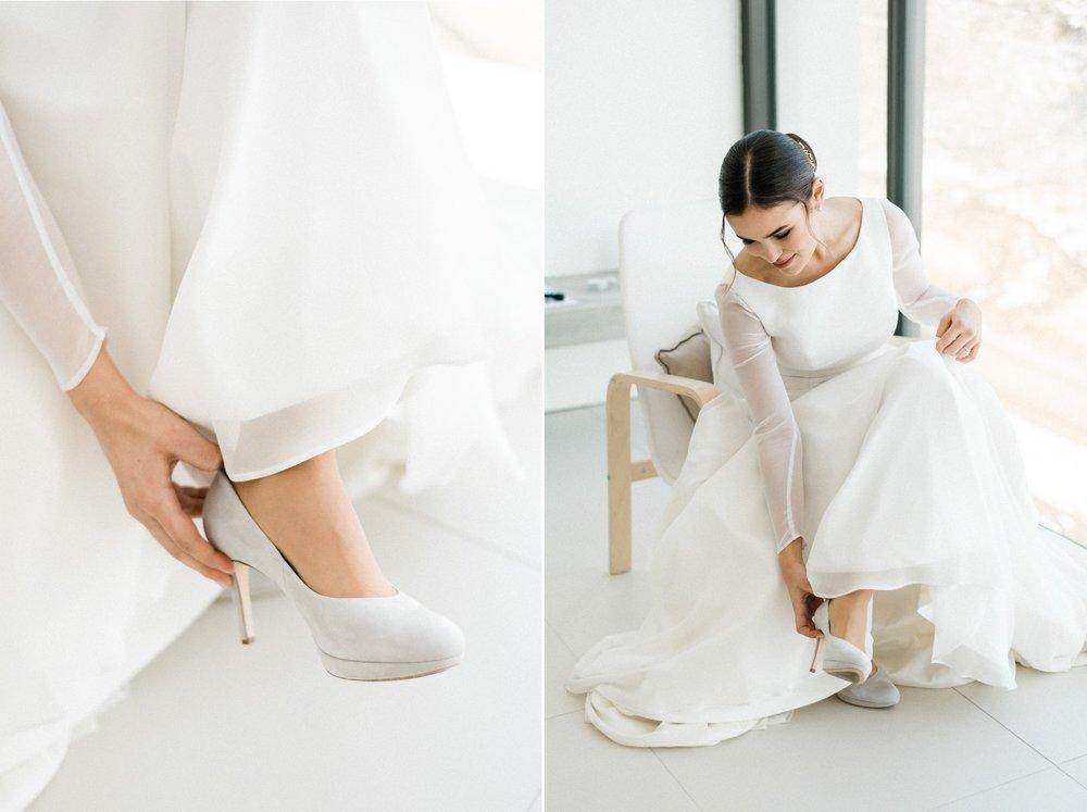 eskuvo menyasszony keszulodes cipo.jpg
