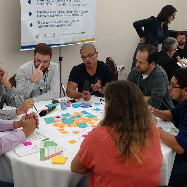 Alex e seu grupo debatem sobre a Qualidade do Futebol praticado no Brasil. #planodiretordofutebol  #bomsensofc