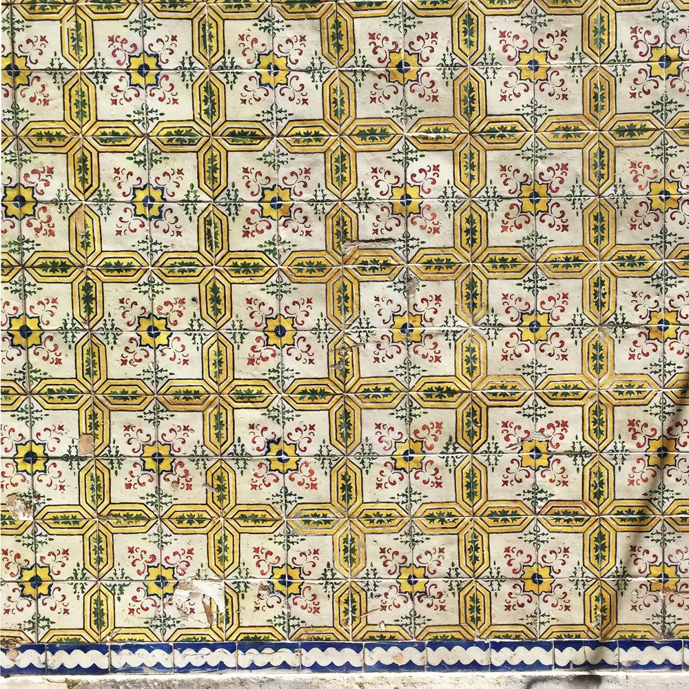 Lisbon tiles 02.jpg