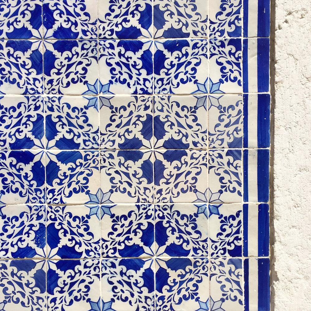 lisbon tiles 09.jpg