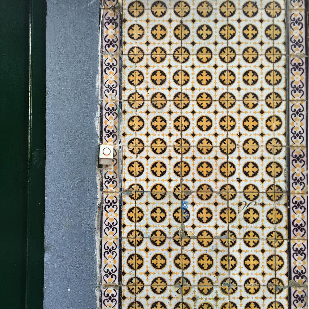 Lisbon tiles 05.jpg