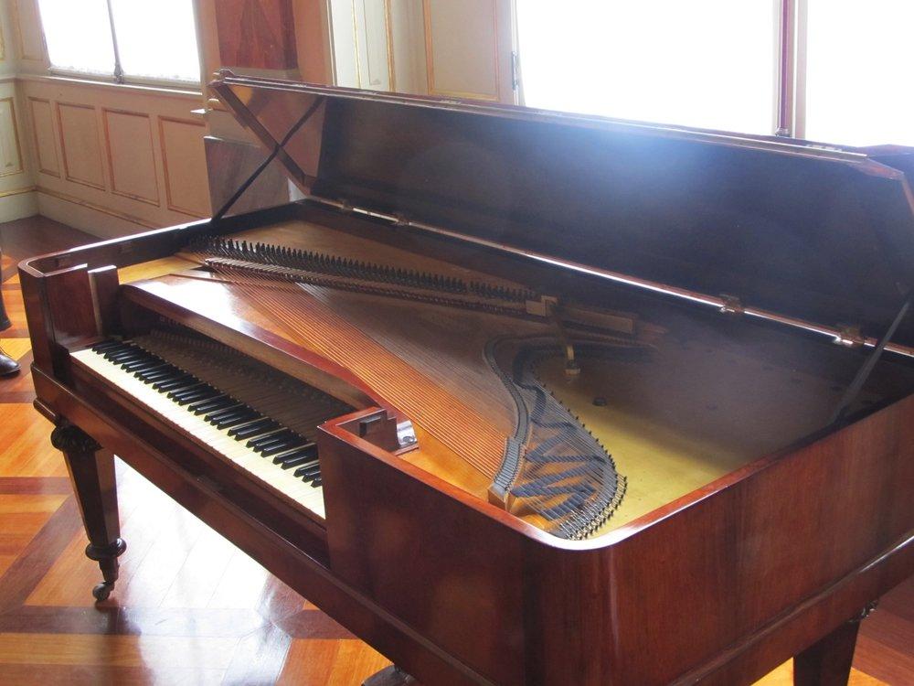 El fortepiano en el Teatro Colón, Bogotá.