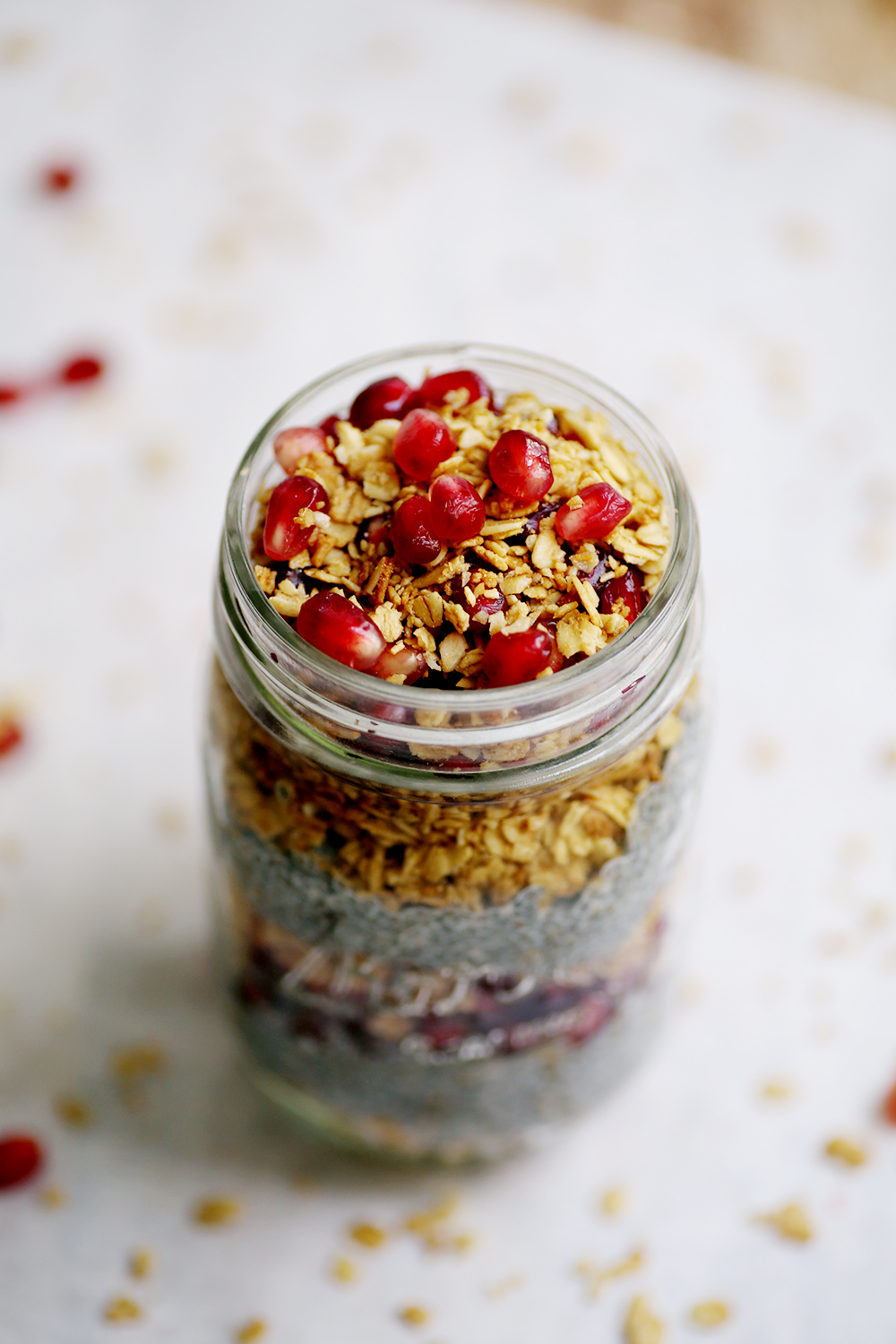 This breakfast in a jar recipe looks so yummy! Been looking for something healthy and easy to make for on the go. Plus I love granola and pomegranate and chia seeds.