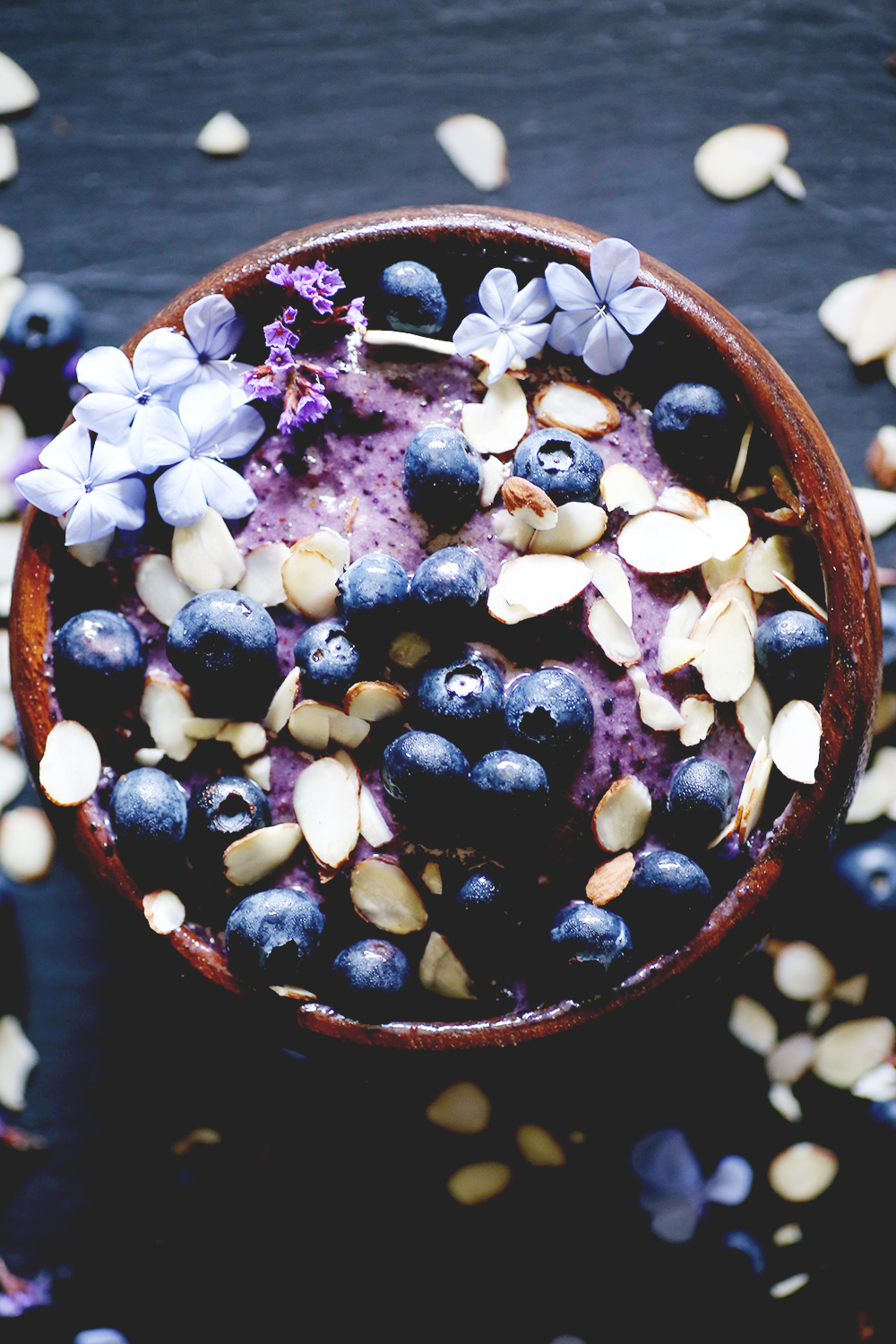 This blueberry and almond butter combination is to die for. A delicious way to start the day out. Packed with antioxidants, vitamins, healthy fats and potassium. Vegan and gluten-free.