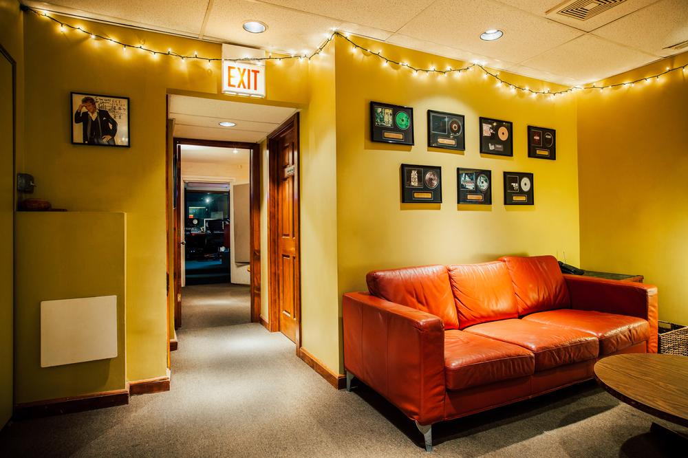 Gravity Studios Studio B Lounge.jpg
